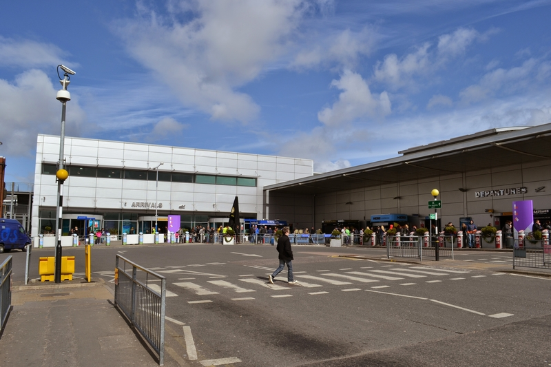 Luton International Airport serves London greater area in United Kingdom.